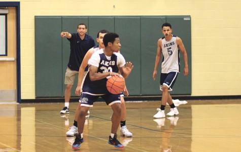 Teamwork takes center court under head coach Jesse Hayes