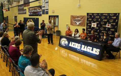 Baseball players recieve scholarships to colleges