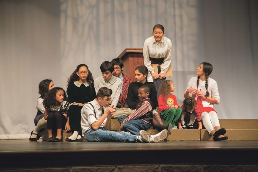 The mother, played by Maritza Ramirez calmly talks to the children of the Sunday  School, telling them not to worry about the Herdmans.