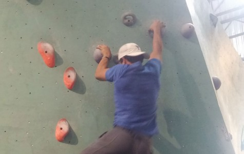 Students start to take up new sport: bouldering