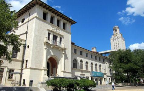AVID teacher encourages summer college participation