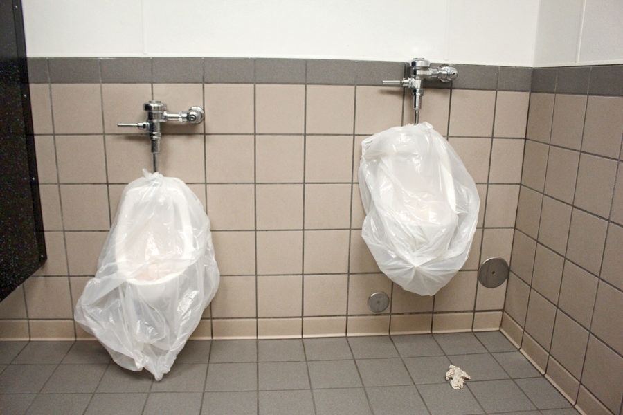 Many+urinals+remain+unusable+because+of+leaky+water+pipes+which+results+in+water+over+ow-%0Aing.+Students+have+to+search+for+working+toilets+to+relieve+themselves.