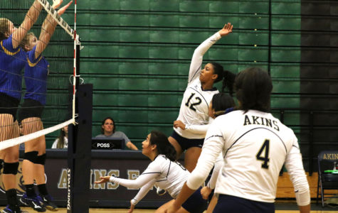 Volleyball girls unite to improve their record