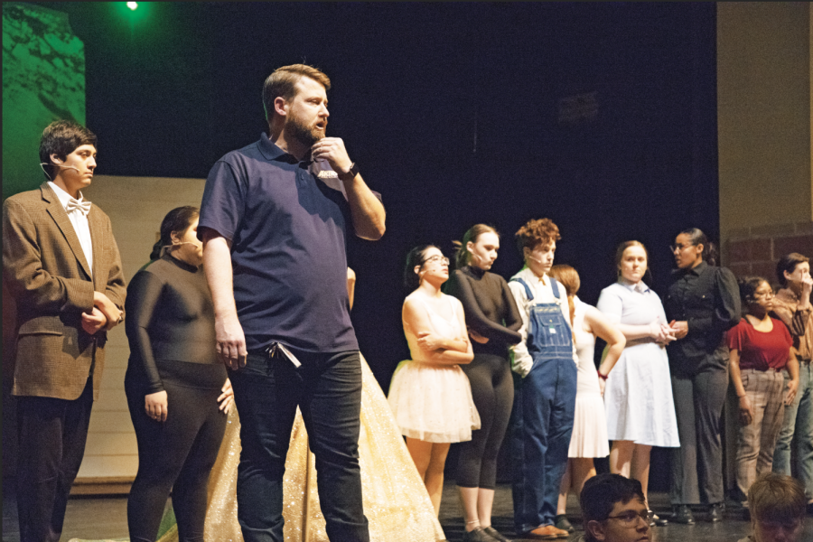 Brad Distelhorst giving direction to students on the last day before opening night. This was the fnal dress rehearsal for the Wizard Of Oz play.